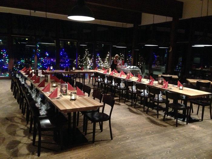 grosse U tafel im wintergarten